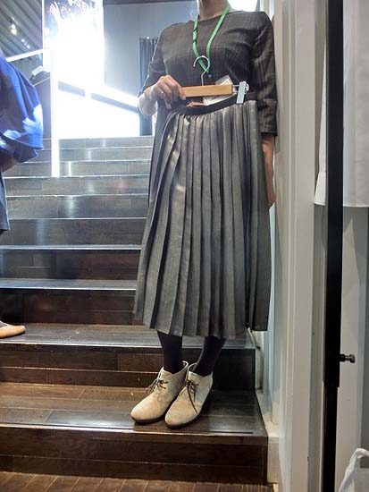 foil-print-middy-skirt-6