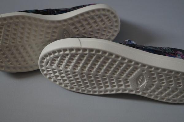 クロックス軽い靴底