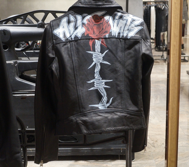 ローズ柄入りジャケット