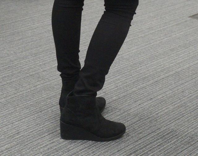 黒pants