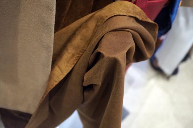 スカートの色が素敵