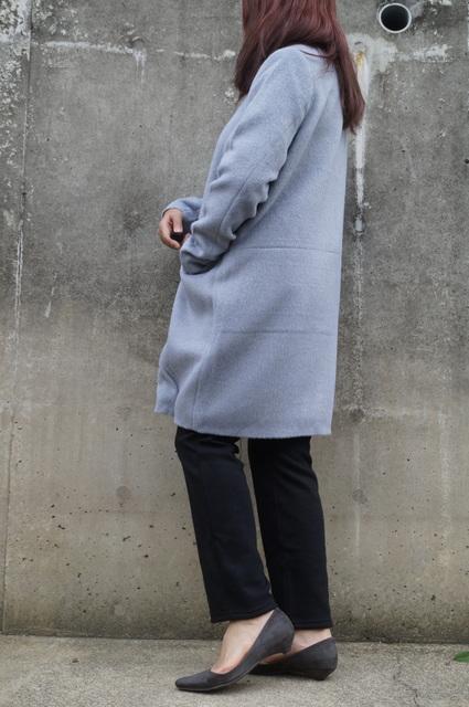 ノーカラーのcoat2