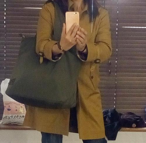 ナイロン軽量大容量バッグ