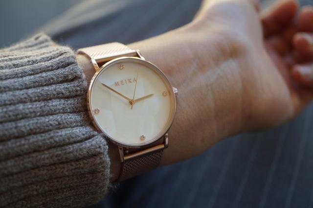 腕時計つけたところ