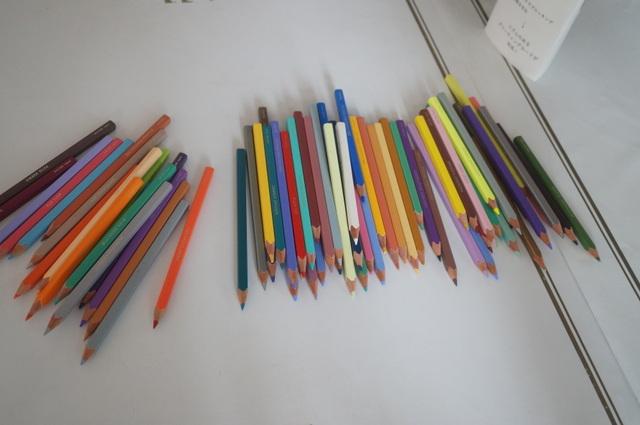 「500色の色えんぴつ TOKYO SEEDS」のフォルム